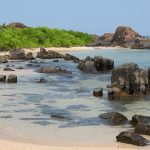 1280px-St_Mary's_Island_rocks