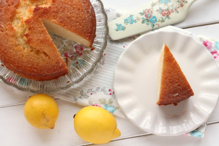 lemon and cardamom cake