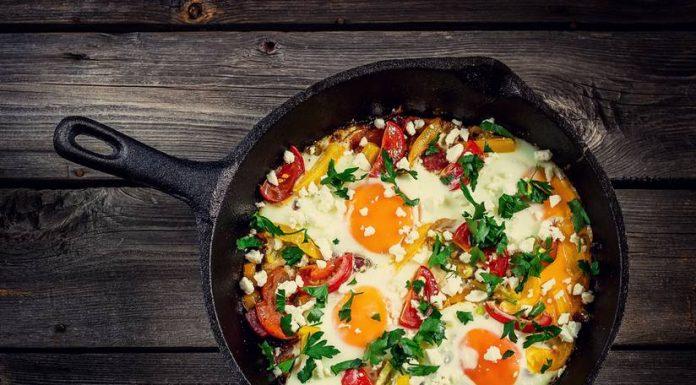 shakshouka baked eggs