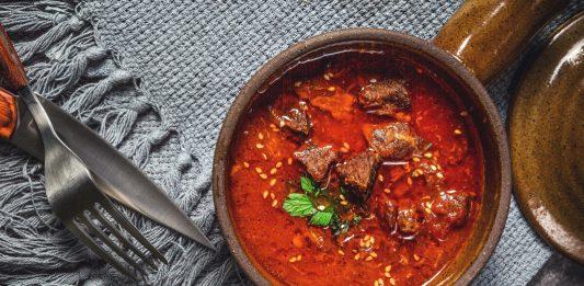 Roast pork bhuna